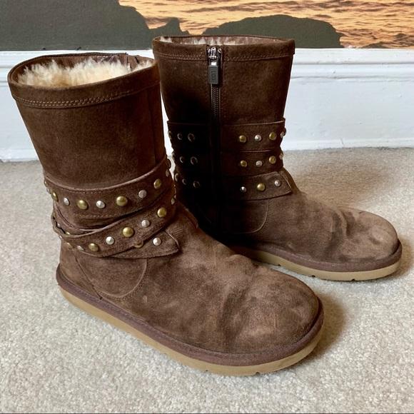 a642e99cf7e Ugg Clovis boots